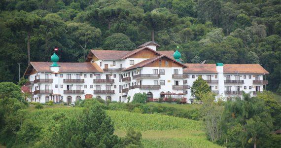 http://lindasc.com.br/loja/treze-tilias-park-hotel/