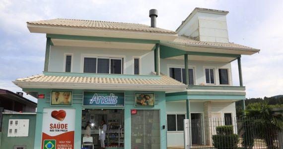 http://lindasc.com.br/loja/farmacia-analis/