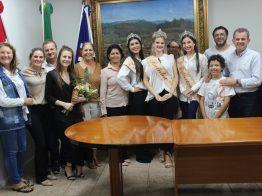 Nova rainha da 15ª Festa da Gastronomia Típica Italiana é empossada em Nova Veneza