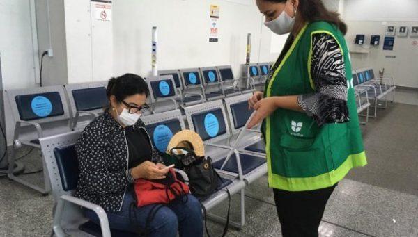 Santur coordena pesquisa no aeroporto de Joinville sobre o perfil do turista que visita o estado